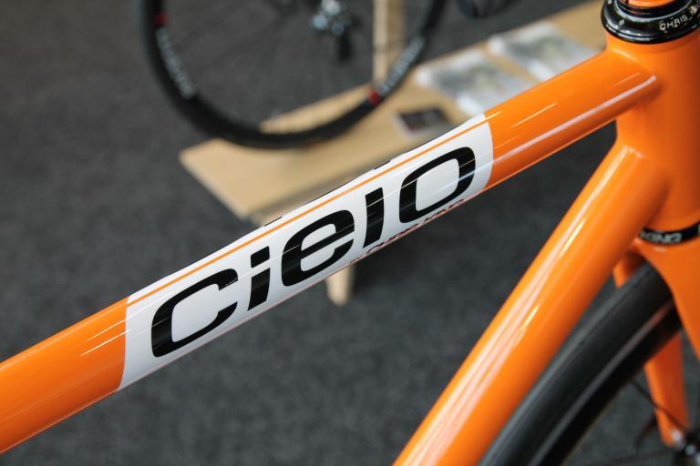 Cielo Road Racer top tube