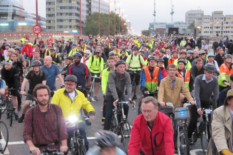 Blackfriars flash ride (© markbikeslondon) 3