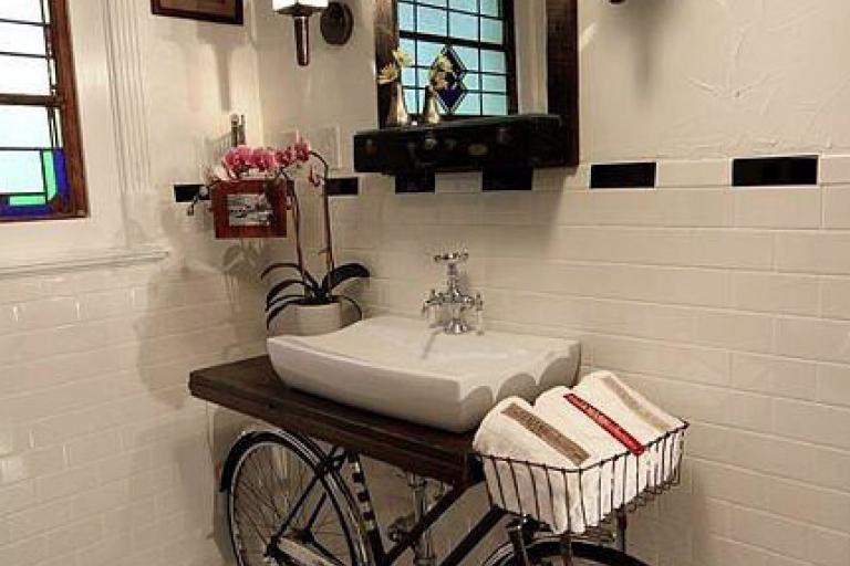 Bathroom design by Benjamin Bullins, New Orleans
