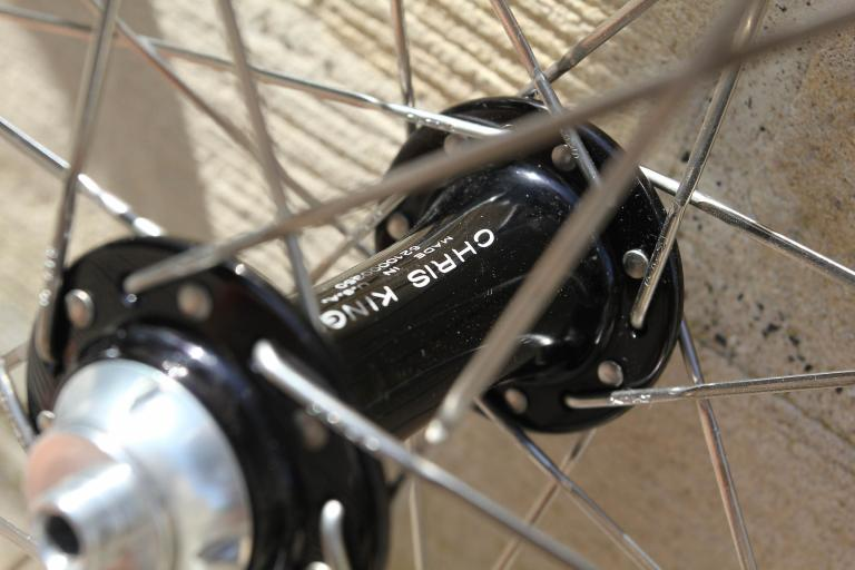 Chris King R45 - DT Swiss RR1.1 wheelset - front hub detail