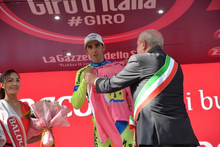 Alberto Contador presented with maglia rosa after Stage 6 of 2015 Giro d'Italia (picture ANSA, Dal Zennaro)