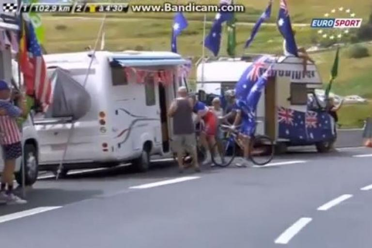 Arnaud Demare answers call of nature YouTube still