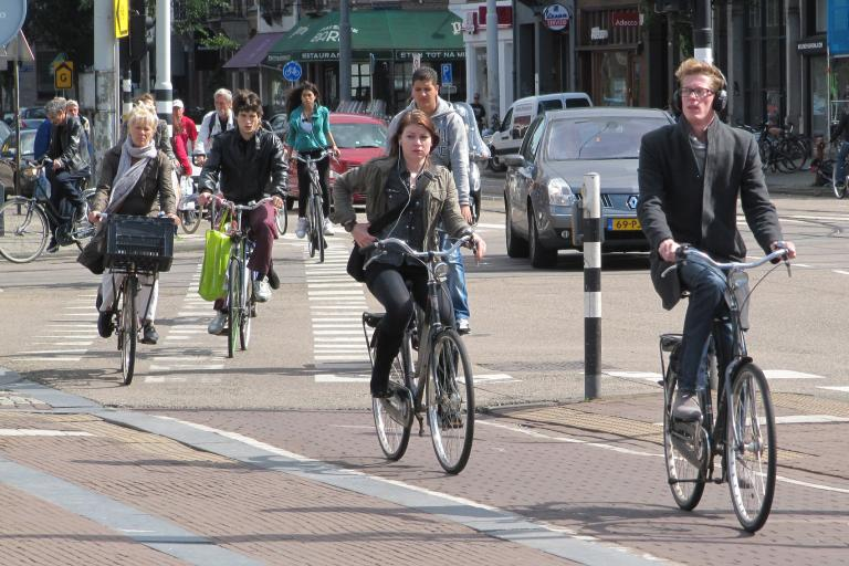 Better facilities, like these in the Netherlands, woiuld encourage people to cycle more (CC BY-NC-SA 2.0 licenced by MarkA:Flickr)