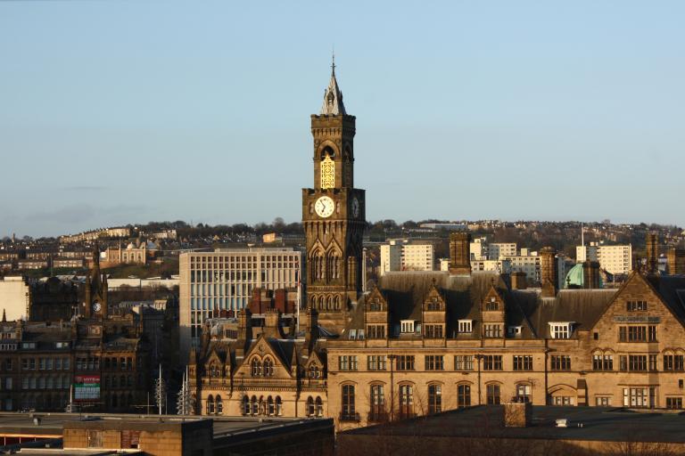 Bradford (CC BY-SA 2.0 licensed by Neil Turner:Flickr)