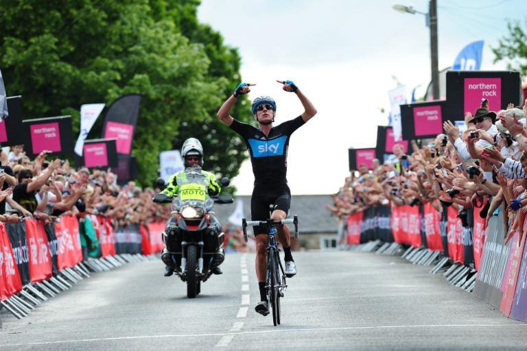 Bradley Wiggins wins the 2011 National Road Championships .jpg