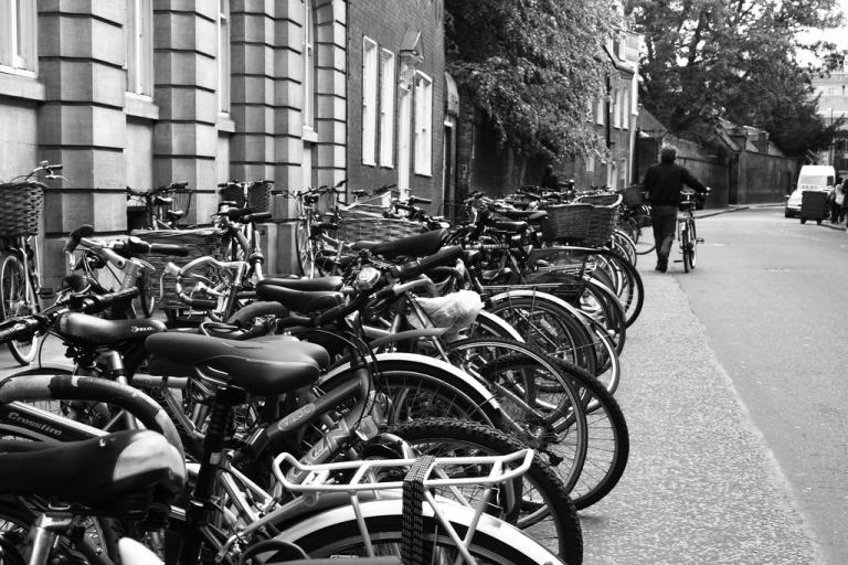 Cambridge bikes (CC licenced by fionaandneil:Flickr)