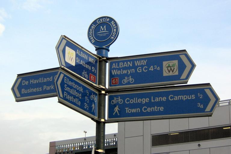 Cycle network signs (CC BY-NC-ND 2.0 Gregory Williams:Flickr)