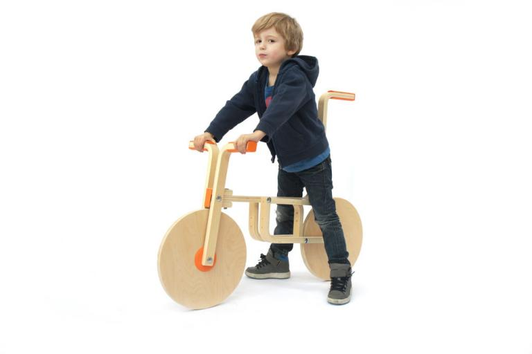 DIY Draisienne (IKEA Frosta stool bike - source Instructables com)