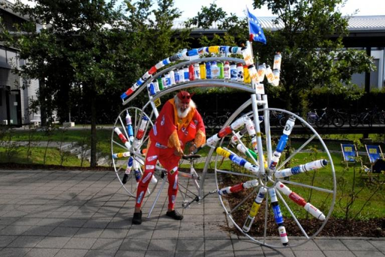 Didi the Devil and his Bottle Bike (picture courtesy Shift Active Media)