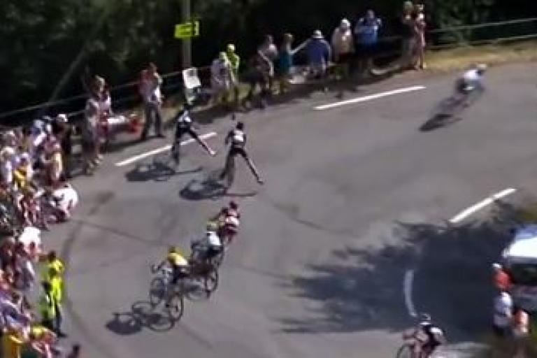 Geraint Thomas and Warren Barguil TdF 2015 Stage 16 crash