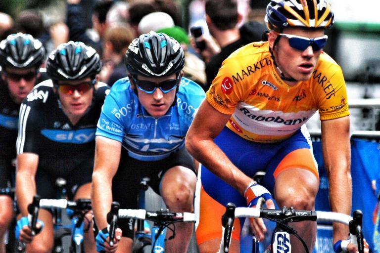 Geraint Thomas tracks Lars Boom, 2011 Tour of Britain (copyright Simon MacMichael)