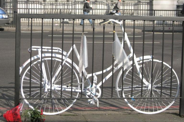 Ghost Bike (CC licensed image by marcus_jb1973:Flickr)