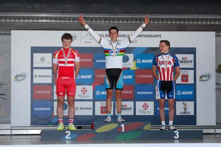 Igor_Decraene_after_winning_World_Championship_Junior_Time_Trial_(picture_Toscana_2013)