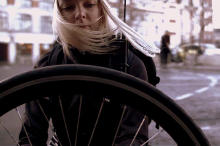 Kerbi puncture fix expert Uma gets to work