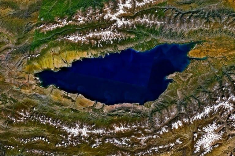 Lake Issyk Kul (picture source  - NASA)