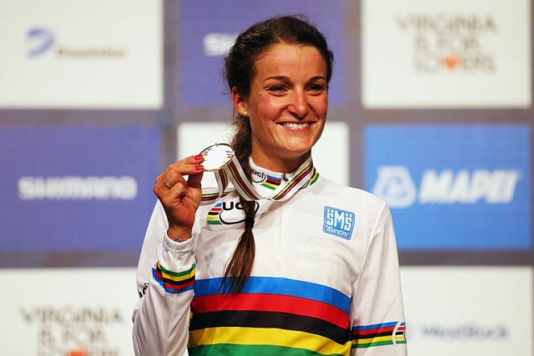 Lizzie Armitstead in the rainbow jersey (copyright Britishcycling.org.uk)