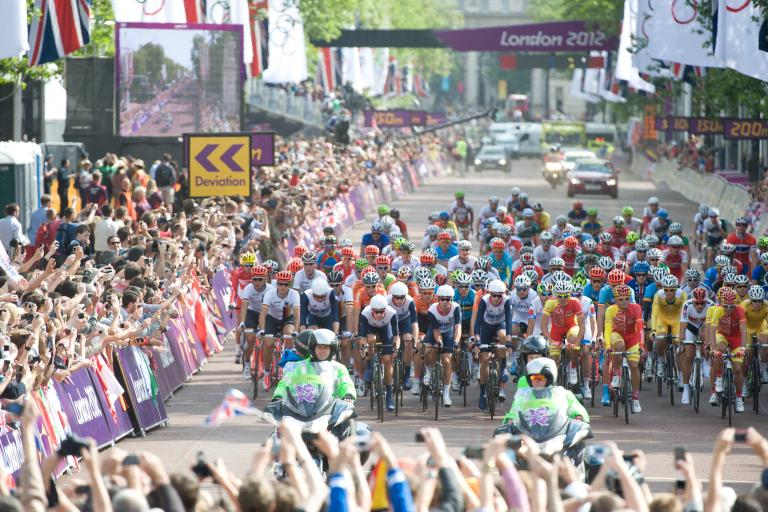 London 2012 men's road race start (copyright Britishcycling.org.uk)