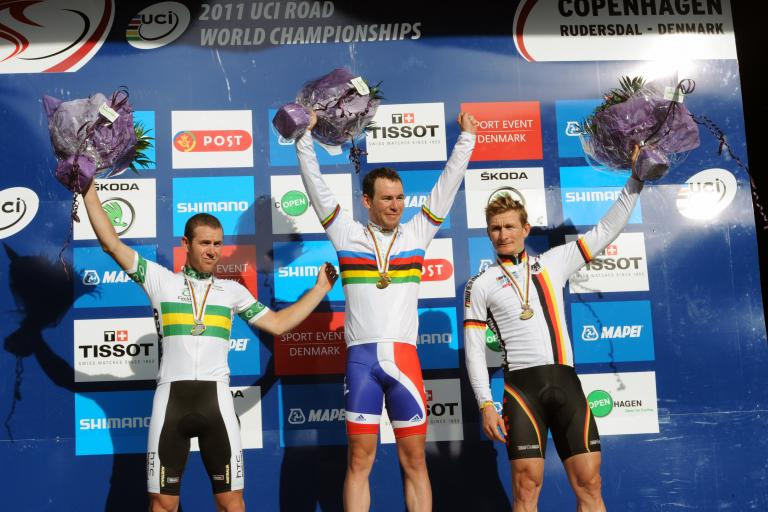 Mark Cavendish 2011 World Road Race Championships podium.jpg
