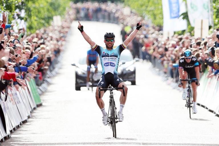 Mark Cavendish becomes British champion (picture Vaughn Ridely, SWPIX.com)