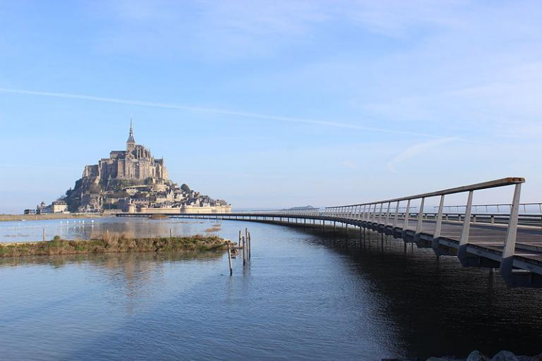 Mont St Michel (licensed by Mathias Neveling under CC BY-SA 4.0)