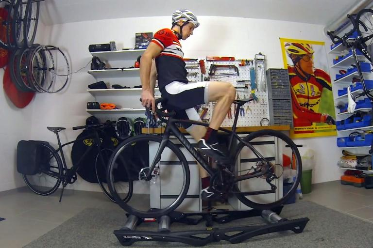 Road Bike Rollers Party