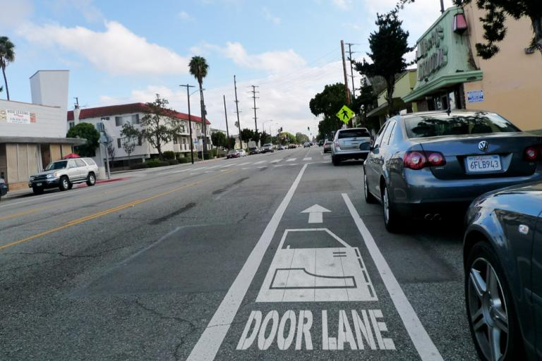 Santa Monica door lane - Gary Seven - Flickr Creative Commons