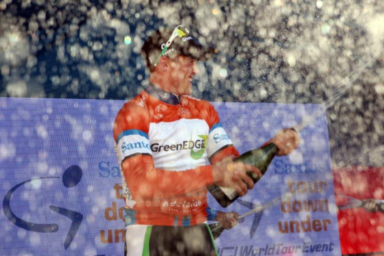 Simon Gerrans celebrates winning the 2012 TDU (photo Santos Tour Down Under:Regallo)