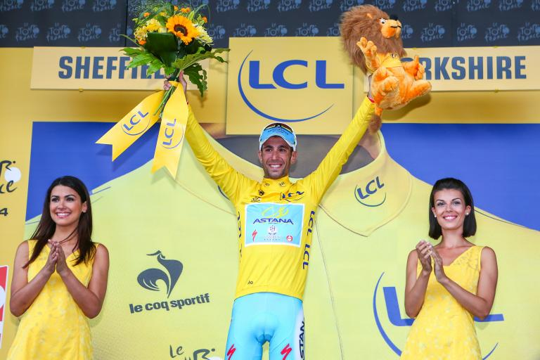 TdF 2014 Nibali in yellow in Sheffield - picture credit Welcome to Yorkshire, Le Tour Yorkshire com