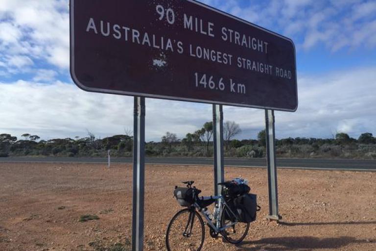 Tom Davies' round-the-world bike (via Twitter)