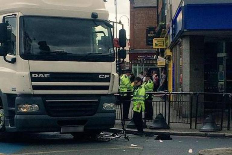 Tooting Broadway collision Picture @Gracie_HTwitter