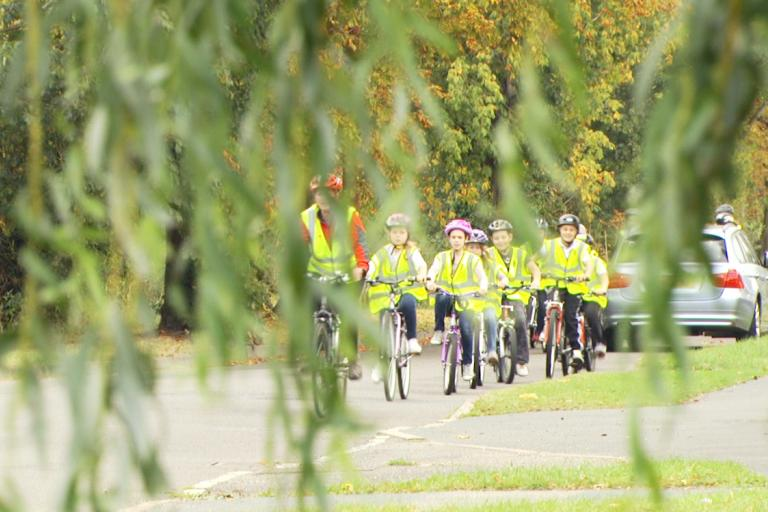 Young cyclists undergoing training (CC BY-NC-ND 2.0 licensed by Department of Transport)