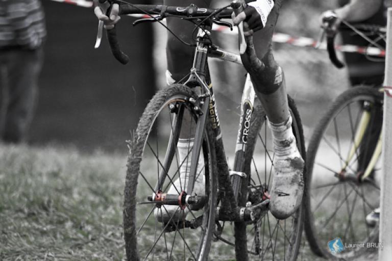 cyclo-cross (CC licensed image by Petit Brun via Flickr)
