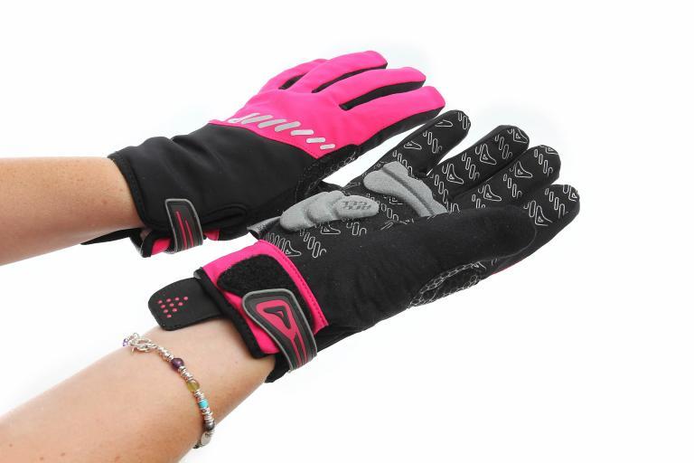 Altura Shield Womens glove worn