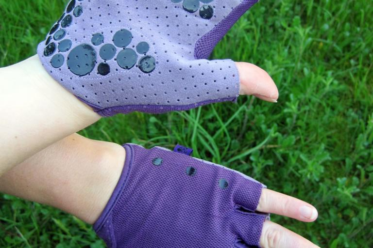 Ana Nichoola Naked Hand Fingerless Glove