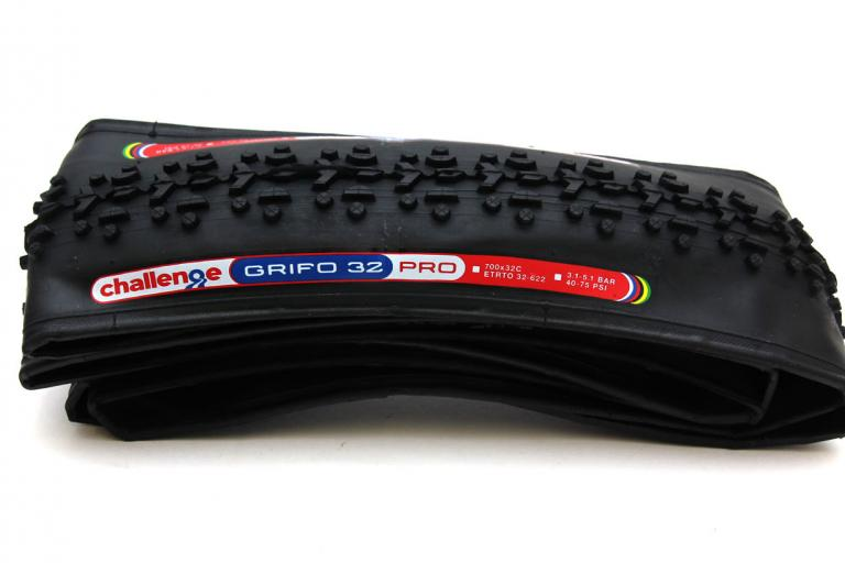 Challenge Grifo 32 Pro Cross clinchers