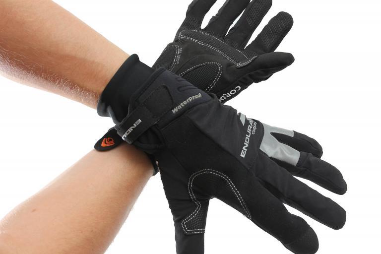 Endura Deluge glove worn