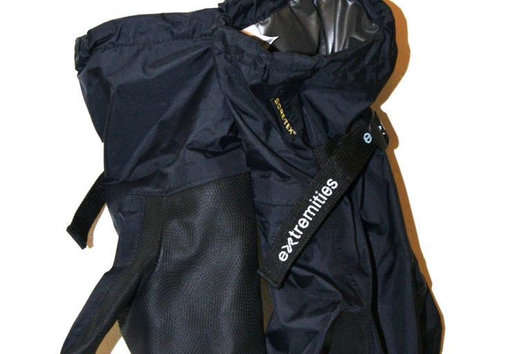 Extremities tuff bag overmitts