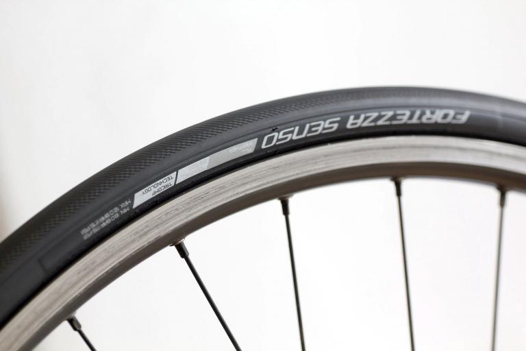 Fortezza Senso Tyre