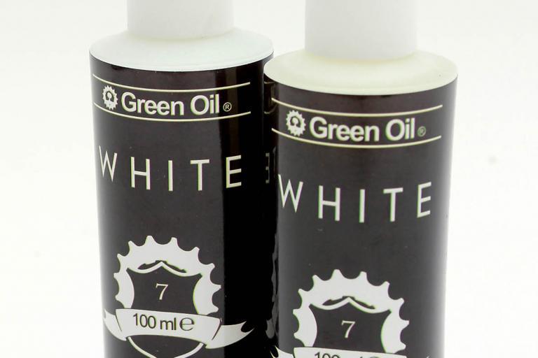 Green Oil White chain wax