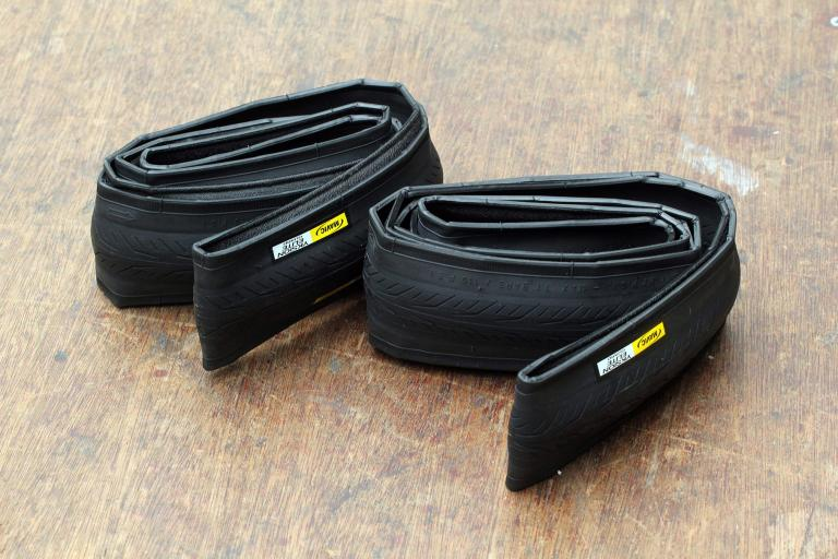 Mavic Yksion Elite Guard tyres