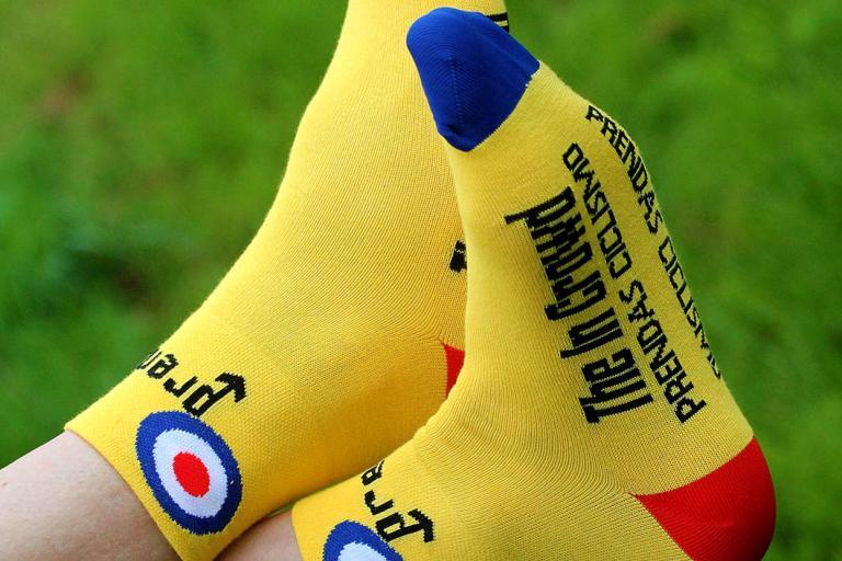 Prendas Ciclismo Yellow Mod In The Crowd socks