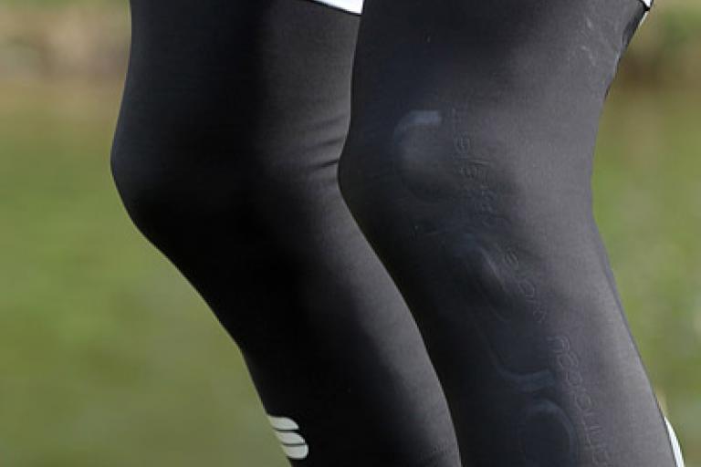 Sportful Norain Knee Warmers2
