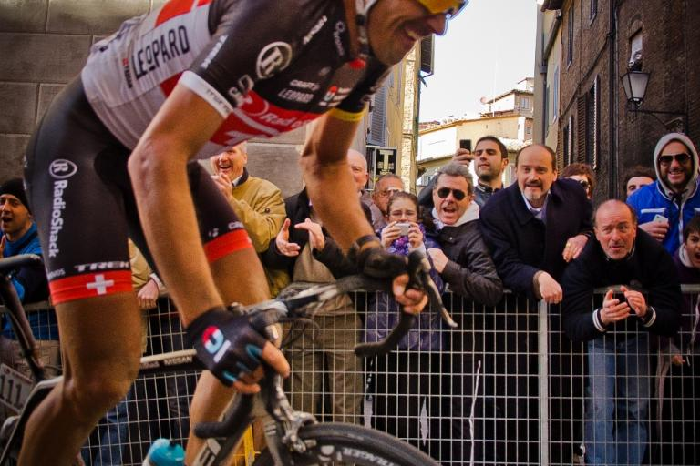 Spartacus rides full gas through the streets of Siena (2012 Strade Bianche, © Philip Gale)