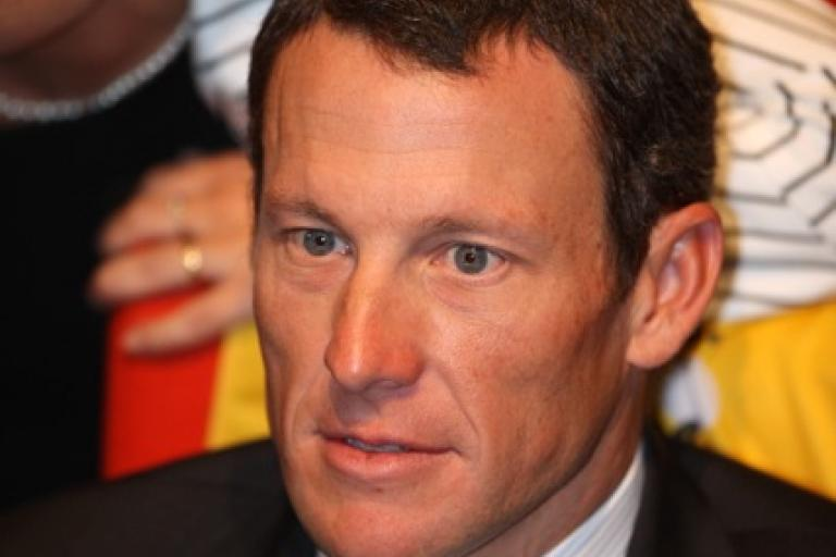 Lance_Armstrong_TdF_PhSpt