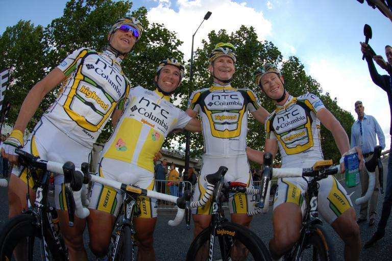 Team HTC-Columbia celebrate after the London stage of the 2010 Tour of Britain (picture credit - The Tour of Britain)