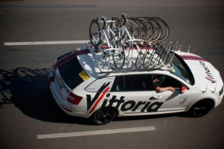Vittoria Servizio Corse Giro 2013 001 © Simon MacMichael