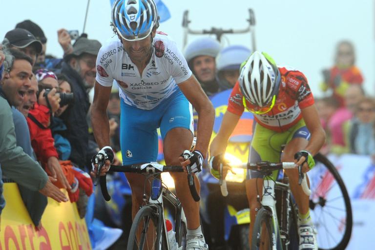 Mosquera wins from Nibali on the Bola del Mundo (copyright- Unipublic:Graham Watson)