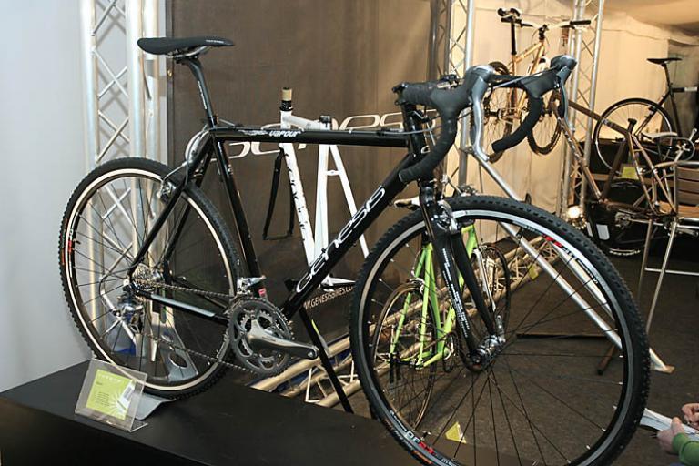 Genesis Vapour 'cross bike