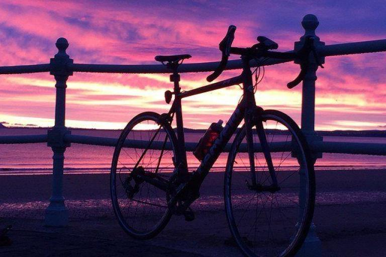 Edinburgh sunrise (rigostarjambo on Instagram)