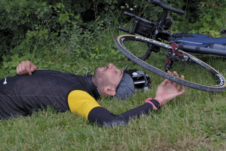 Jacopo Porreco takes a rest on Transcontinental Race 2016 (PEdALED Vimeo still).PNG